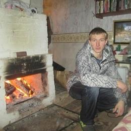 Симпатичный парень из Тулы ждет приглашения в гости от девушки для интима